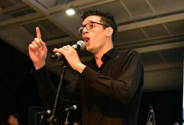 Vallenato interpreta opera en coro mundial