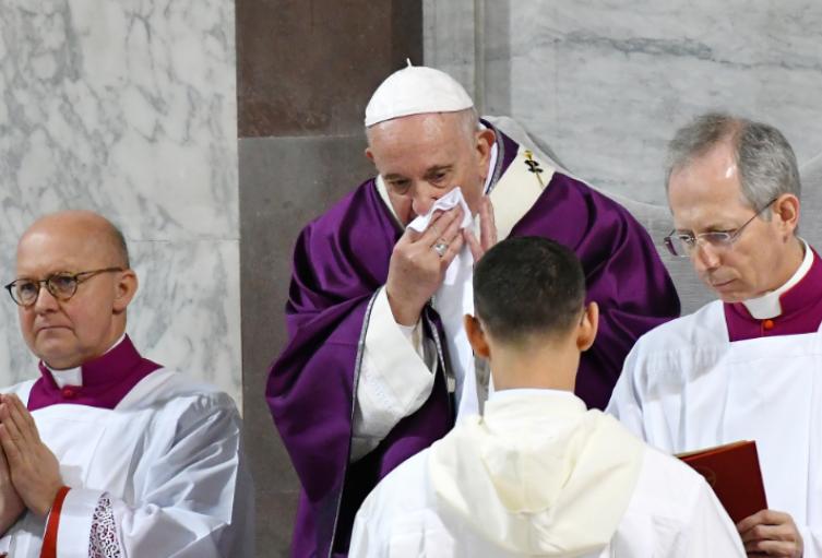 Papa Francisco con resfriado