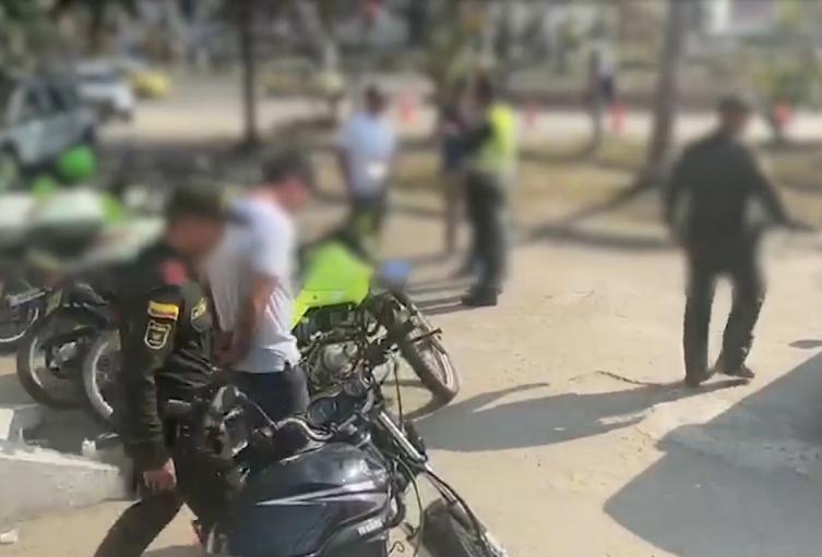 La detención se dio en Bocagrande, donde el sujeto iba a realizar un hurto a un turista.