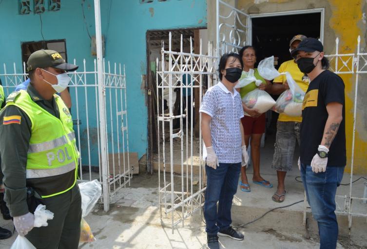 250 mercados fueron entregados puerta a puerta en el sector El Espinal