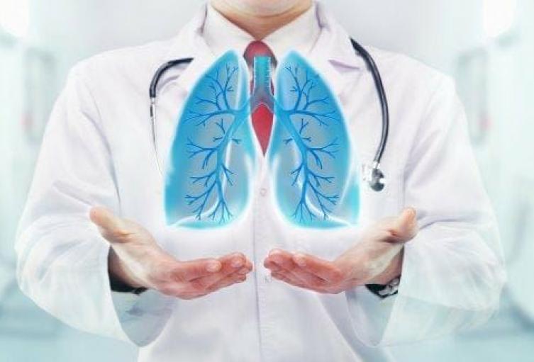 Sucre cumple protocolos del INS ante fallecimiento relacionado con complicación respiratoria