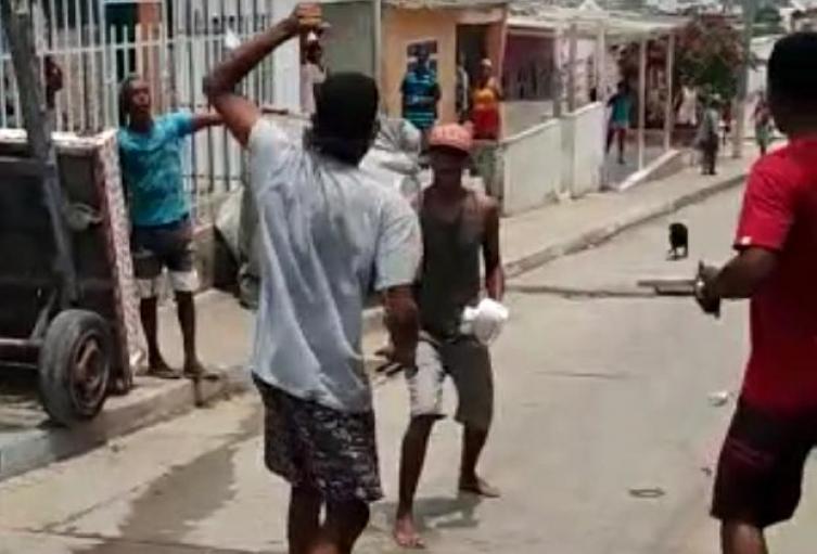 En plena vía pública del barrio Pablo Sexto sucedió el hecho violento