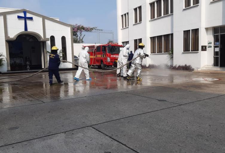 La policía realizó jornada de desinfección dentro de las instalaciones del comando de policía Sucre