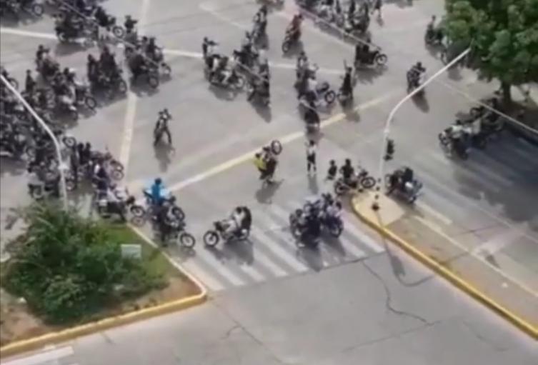 La policía no hizo presencia en el concurrido sepelio