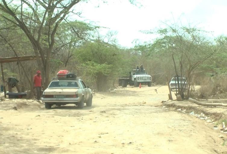 Trochas ilegales en la zona de frontera