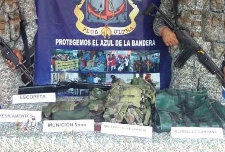 Armada Y Policìa incautan material de guerra e intendencia en zona rural de Morroa,Sucre.