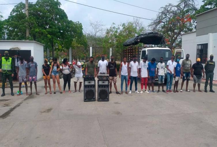 En el patio de una vivienda del barrio La María fue descubierta la fiesta clandestina