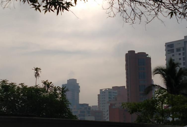 Denso humo en Barranquilla