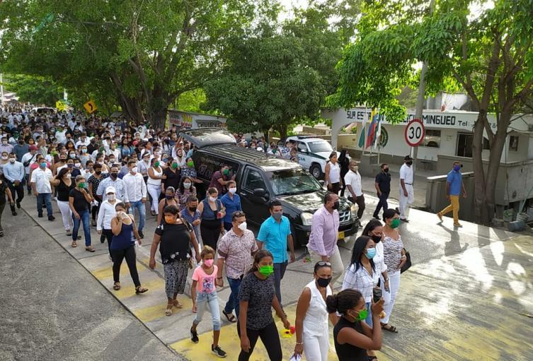 Multitudinario sepelio en Mingueo (La Guajira)
