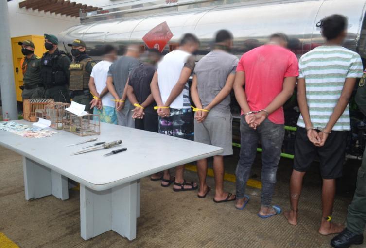 Dosis de drogas, armas blancas y otros objetos fueron incautadas