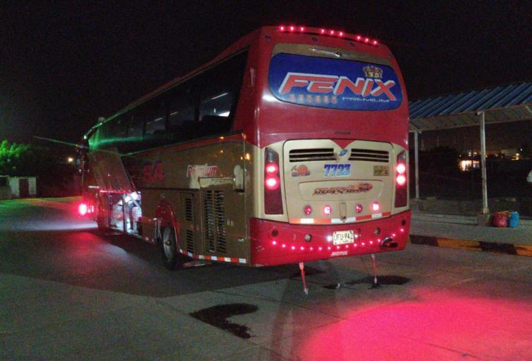 Los dos vehículos quedaron a disposición de las autoridades de transito.