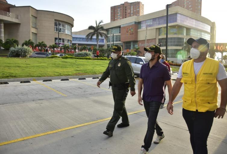 El alcalde Jaime Pumarejo recorrió los diferentes sectores de Barranquilla.