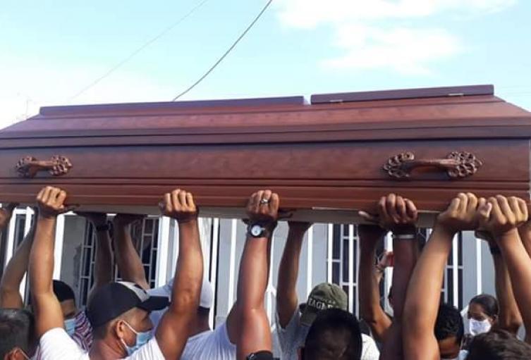 Poco a poco se dan cristiana sepulturas a las victimas de la tragedia de Tasajera cumpliendo con los protocolos de bioseguridad