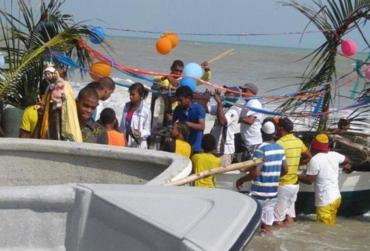 Pescadores devotos de la Virgen del Carmen