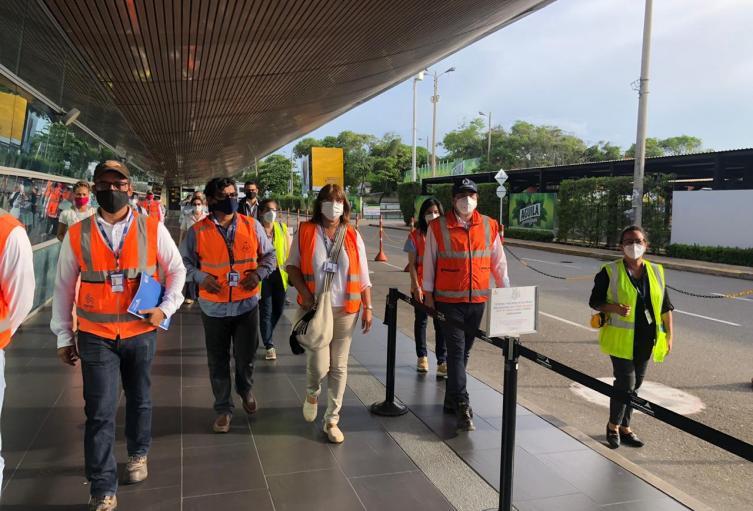 visita aeropuerto Rafael Núñez