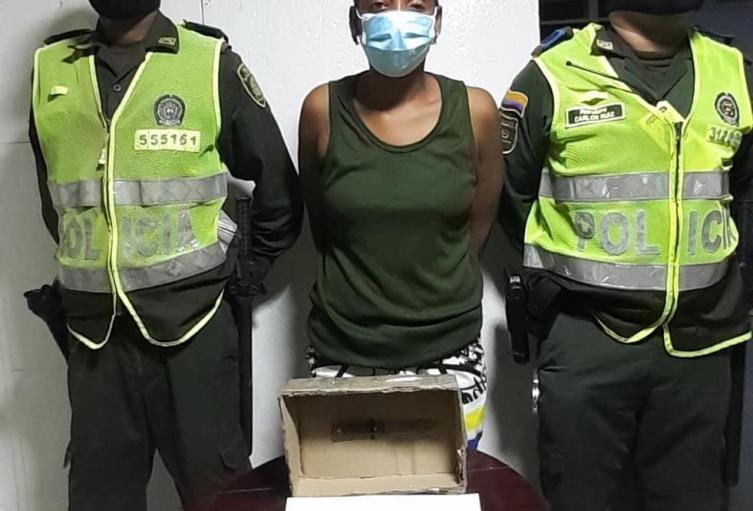 La capturada es tía de la mujer que era agredida por su compañero