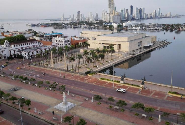 El autocine funcionaría en el parqueadero del Centro de Convenciones Cartagena de Indias