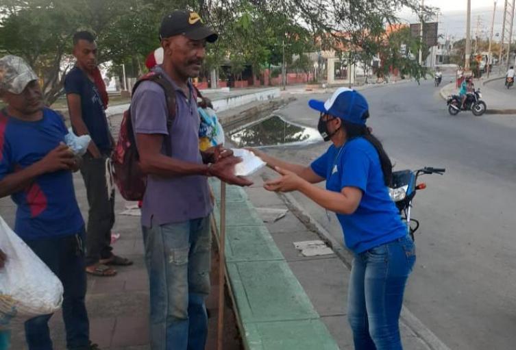 Ayudas humanitarias para recicladores.