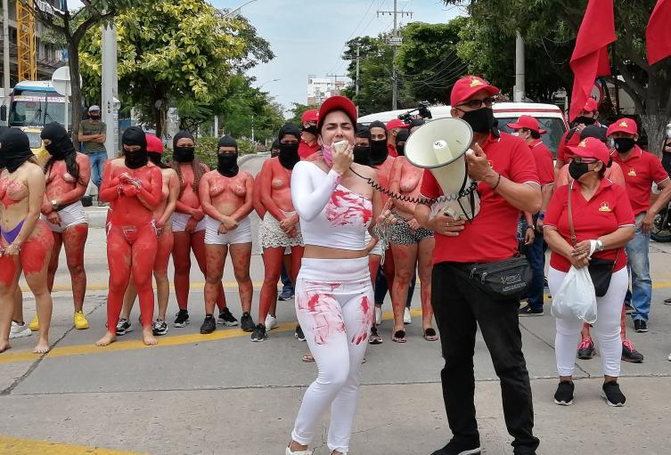 Los trabajadores protestaron por los derechos laborales.