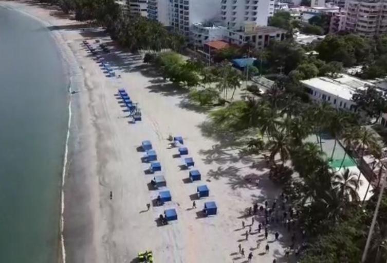 Con distanciamiento estarán puestas las carpas en las playas de Rodadero