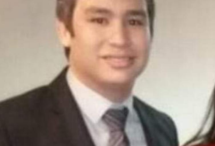 Se trata de Antonio José Amell Cantillo oriundo del municipio de Magangué, Bolívar