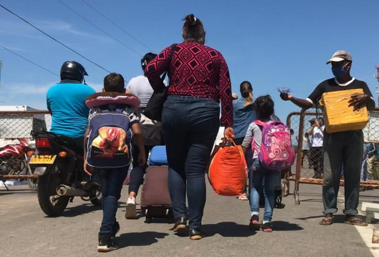 Venezolanos retornan a Colombia.