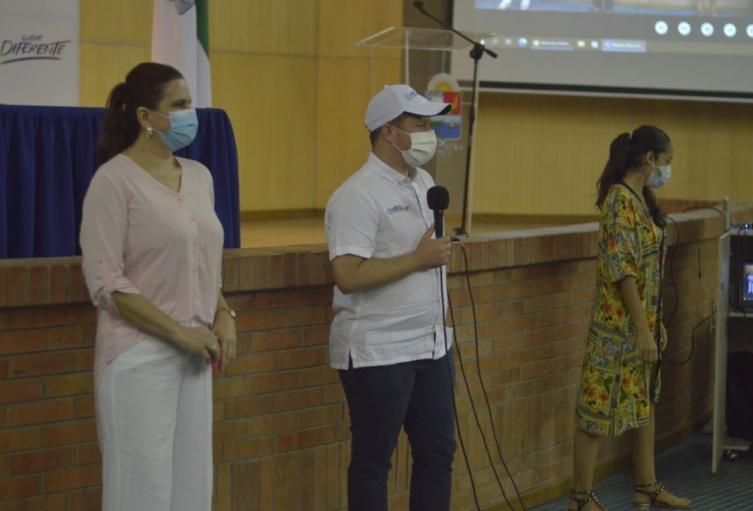 Gobernación de Sucre y fundación éxito firman convenio para combatir la desnutrición