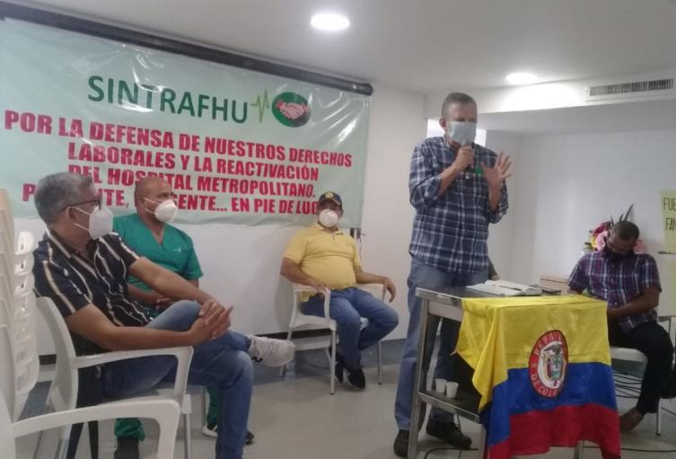 Trabajadores reclaman el pago atrasado de salarios