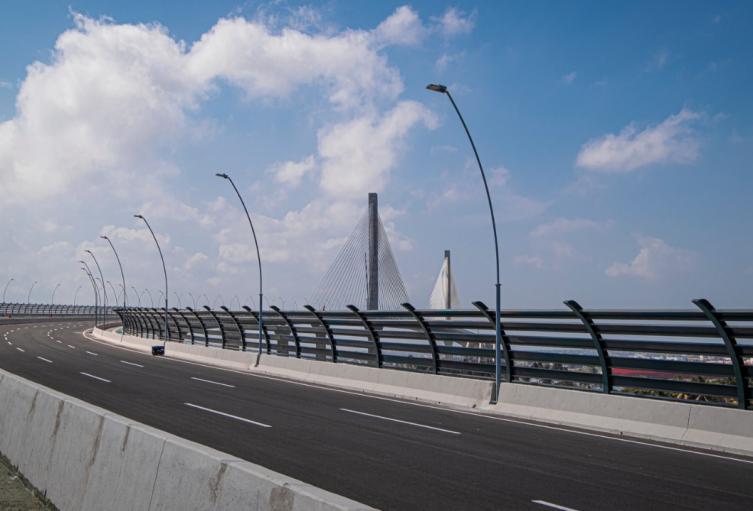 Rescate de mujer que pretendía saltar desde el Puente Pumarejo