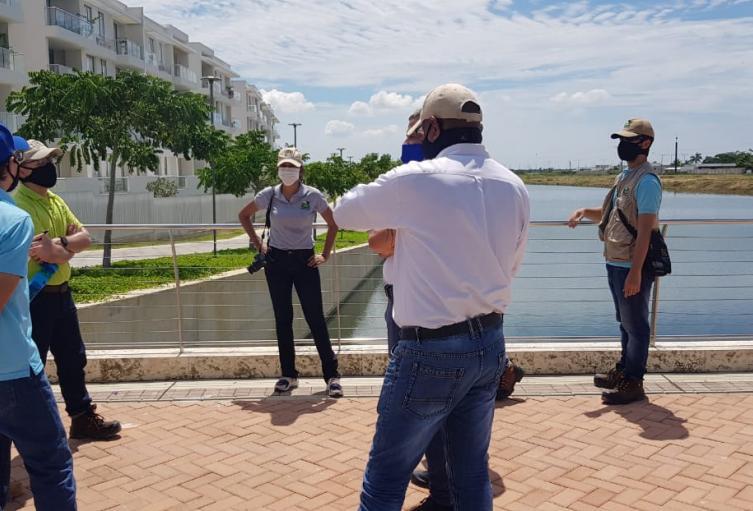 Autoridades ambientales investigan mortandad de peces en la zona norte de Cartagena