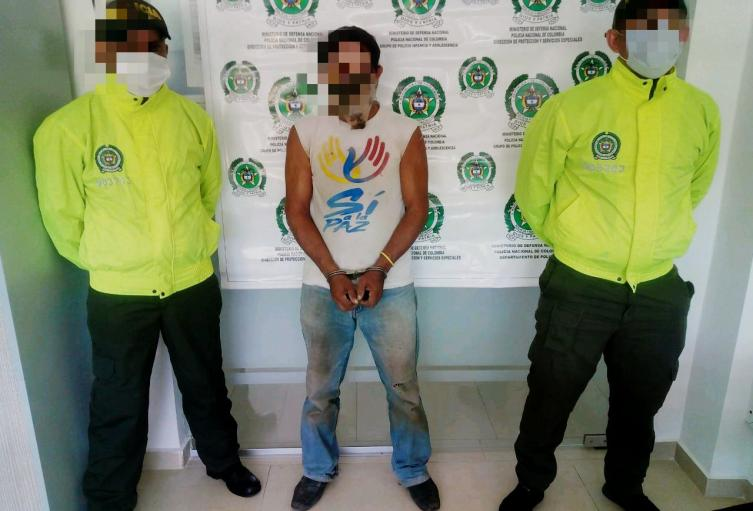 Por el delito de acceso carnal abusivo con menor de 14 años en concurso con acceso carnal violento, la Policía Nacional en Sucre capturo al particular Juan Carlos Payares Garcés de 47 años de edad en el barrio la española del municipio de Corozal