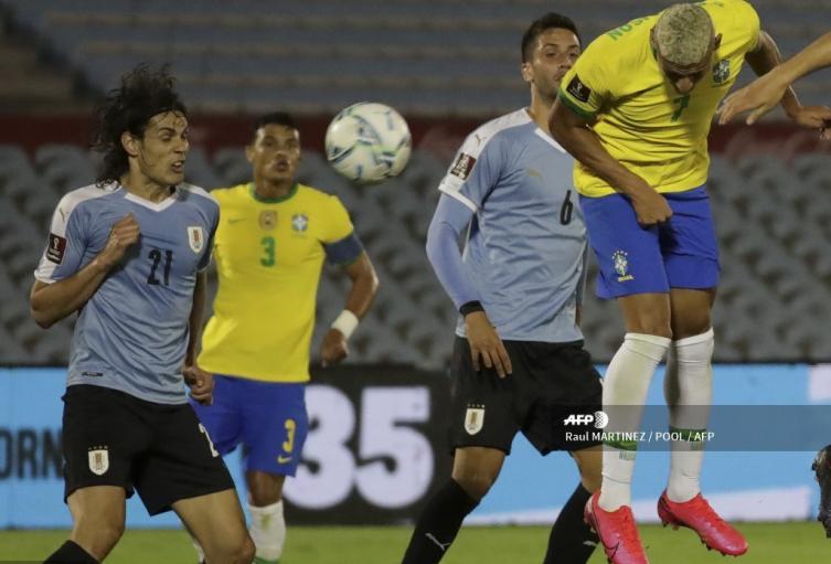 Uruguay vs Brasil - Eliminatorias