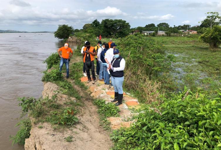 Autoridades hacen presencia y realizan  acciones para evitar una emergencia