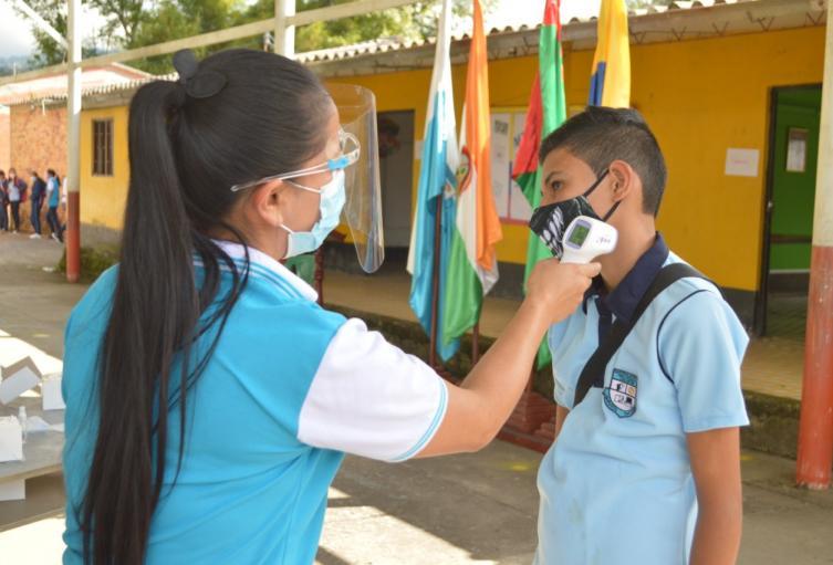 Estudiantes reportados positivos por Covid-19 en colegio del Atlántico