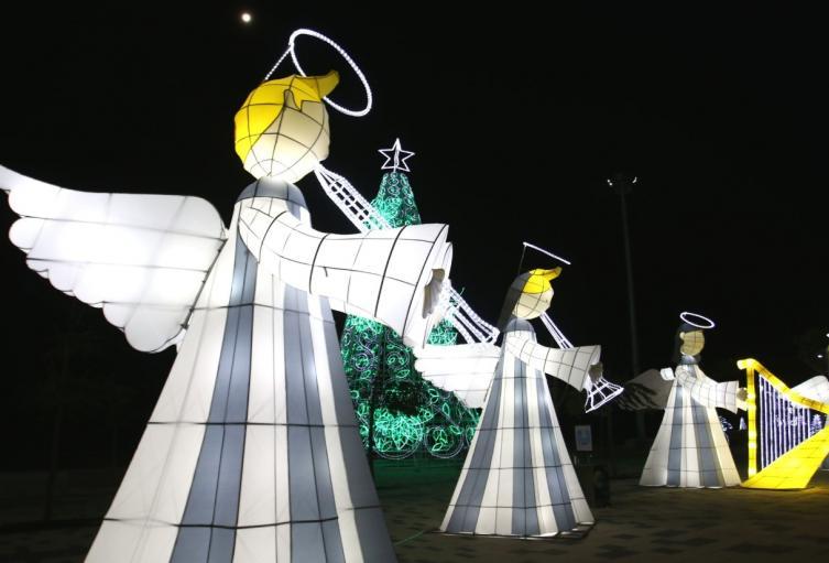 Más de 1.000.000 de luces led iluminan las calles de la ciudad.