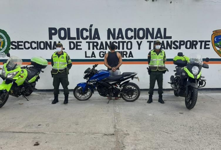 Capturado por agredir a uniformados de la policía.
