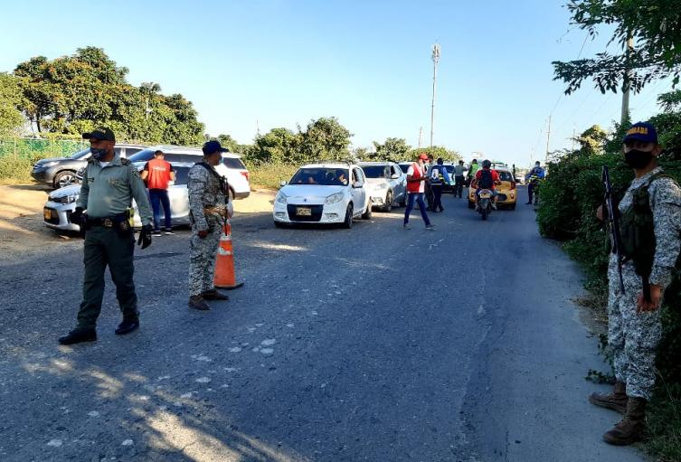Devuelven a 1.500 personas que pretendían ingresar a Playa Blanca sin reservas
