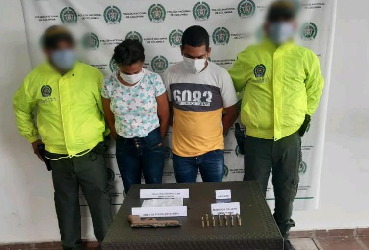 Por el delito de Fabricación , Tráfico Y Porte de armas de fuego o municiones fueron capturados dos presuntos integrantes del Clan del Golfo en Ovejas (Sucre)