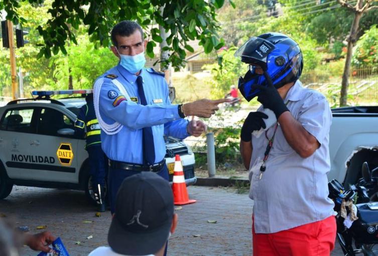 Concientización sobre el uso del casco en Cartagena