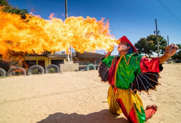 Los grupos folclóricos mantienen la tradición con eventos virtuales.
