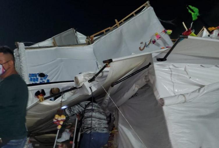 Afectación por fuertes vientos en el Malecón del Río