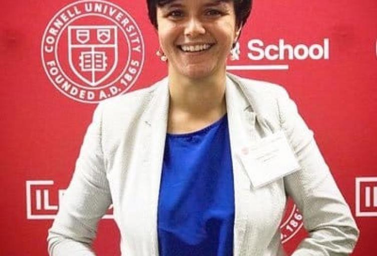 La joven investigadora se convirtió en la primera egresada de la Alma Mater en ser admitida y becada por esa institución estadounidense