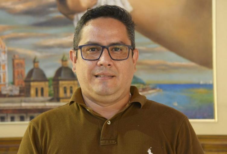 Uriel de Arco, Gerente de Edurbe, presentó su renuncia al cargo