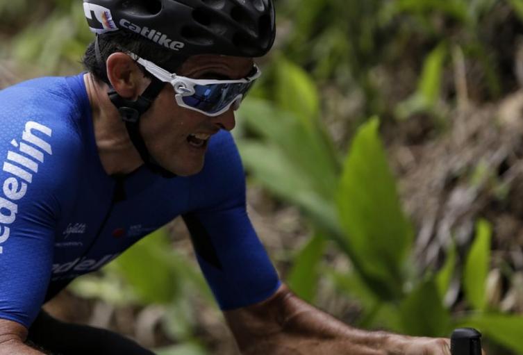 Ciclista Óscar Sevilla.