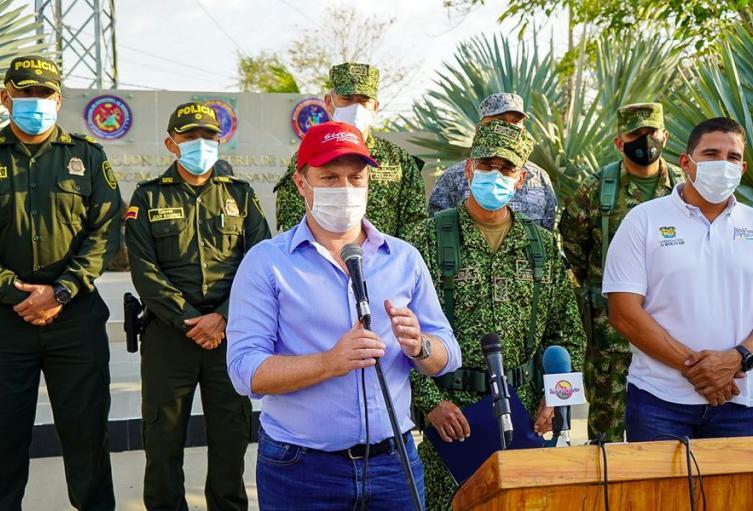 Con el fin de brindar tranquilidad y seguridad a los Montes de Maria,gobiernos de Sucre , Bolívar y Armada Nacional se reunieron ayer en horas de la tarde
