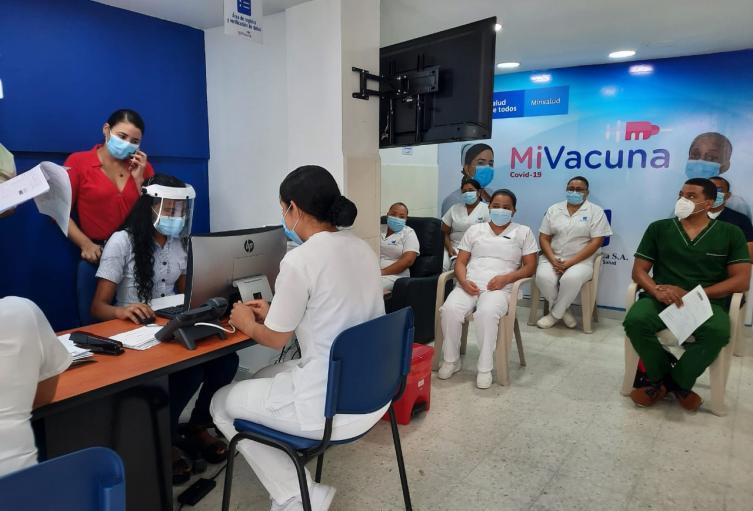 Autoridades verifican si hubo o no colados en la jornada de vacunación en el Magdalena