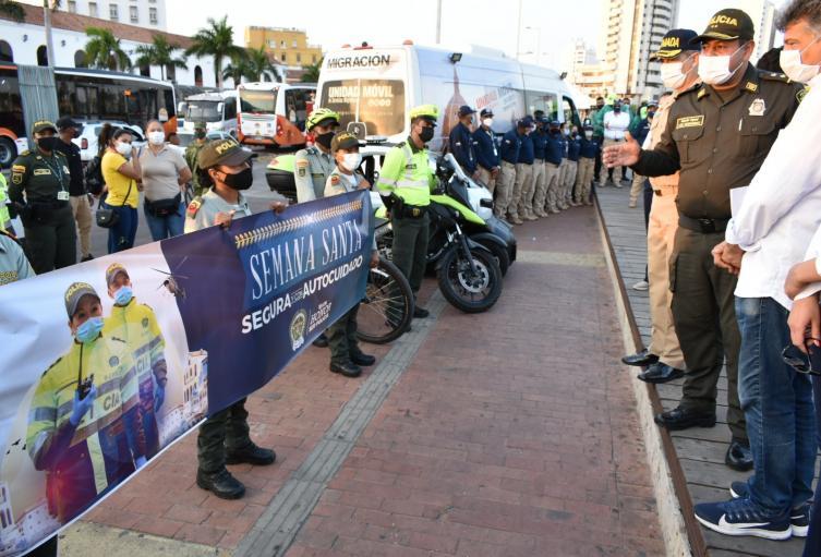 Más de 2.100 hombres y mujeres policías estarán prestando servicios
