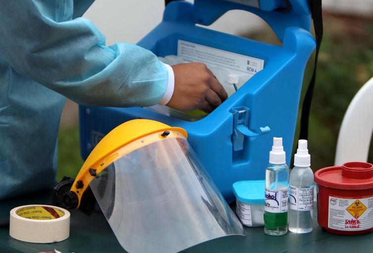 Inicia vacunación a miembros de las fuerzas armadas en Barranquilla