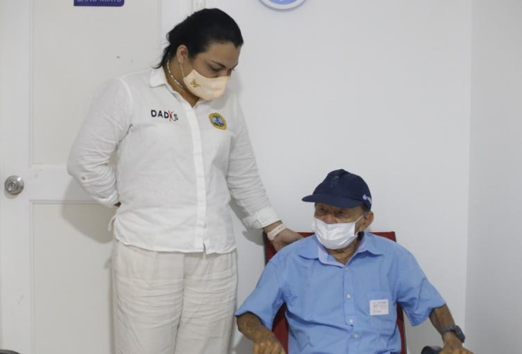 Johana Bueno, Directora del DADIS Cartagena aseguró no se han perdido las vacunas