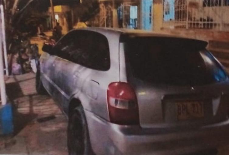Mazda Allegro 2002, de placa BTL 717 matriculado en el municipio de Turbaco, Bolívar